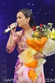 HaPhuong-Sings-2