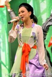 HaPhuong-Sings-8