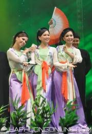 HaPhuong-Singer-Viet-Nam-10