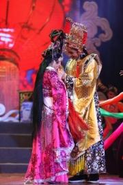 Ha-Phuong-acting-19